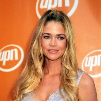Denise Richards would never consider becoming a lesbian because she loves ...