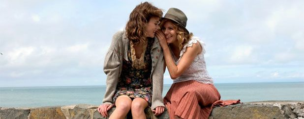 Kiera Knightley and Sienna Miller in The Edge of Love