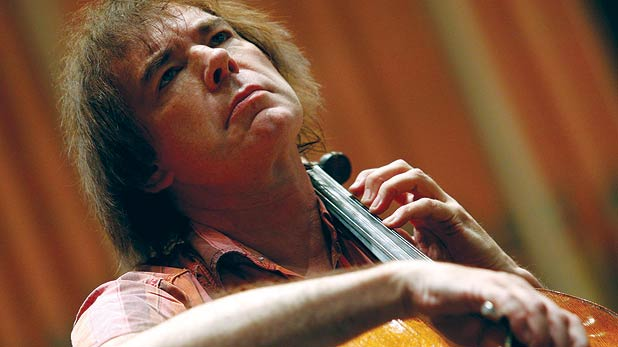 Julian Lloyd Webber and the Edinburgh Youth Orchestra String Ensemble