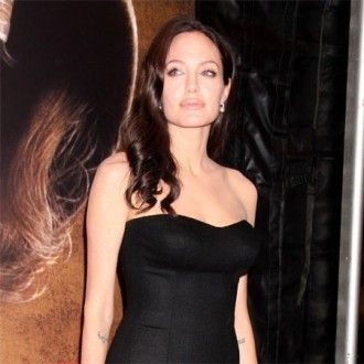 Angelina Jolie is on a special diet to help her get pregnant.
