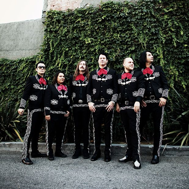 5 reason to go and see Mariachi El Bronx
