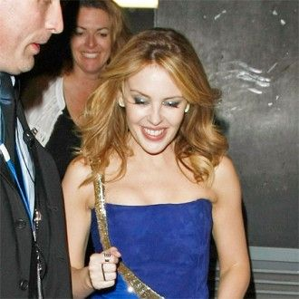 Kylie Minogue has revealed she plans to hold a series of small gigs in ...