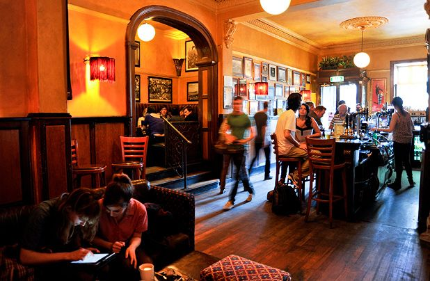 Barcrawls: The prudent student, Edinburgh
