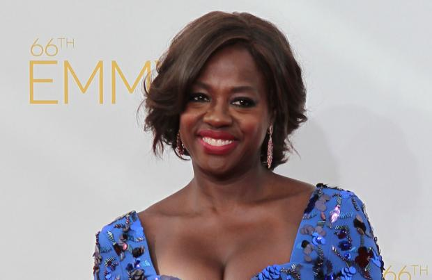 Viola Davis, Julia Roberts to star in 'Small Great Things'