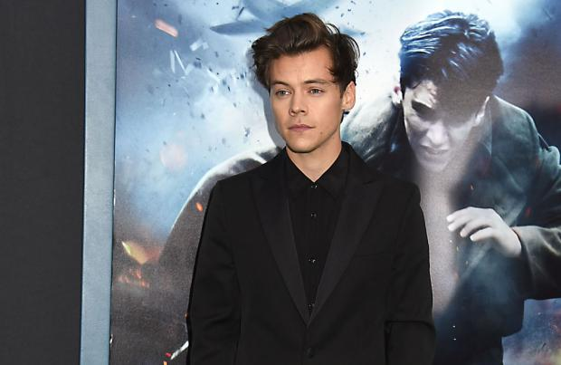 Harry Styles and Fionn Whitehead tell KLG and Hoda about 'Dunkirk'
