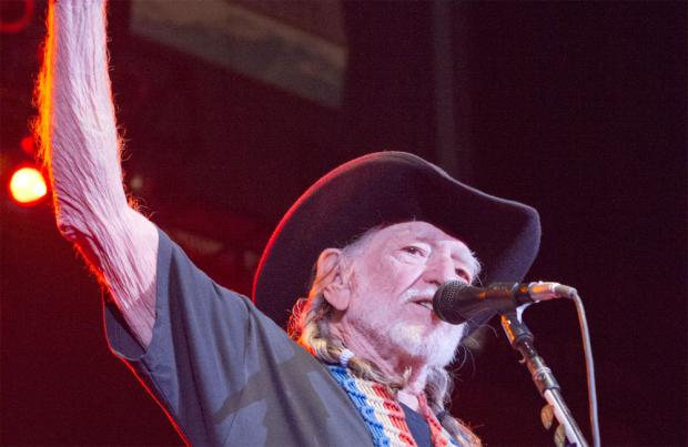 Willie Nelson suffers cough attack on stage, cancels concert