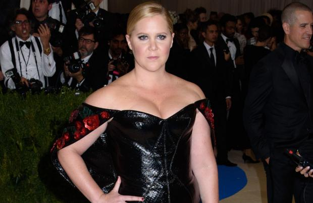 Amy Schumer to star in boxing biopic